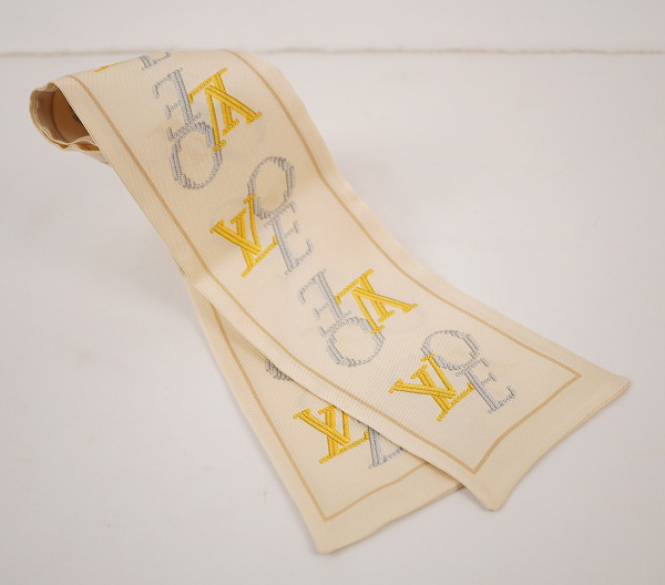LOUIS VUITTON ルイ・ヴィトンバンドー スカーフシルク100%・アイボリー【LOUIS VUITTON】【ルイヴィトン】【スカーフ】【シルク】【バンドー】【アイボリー】【中古】