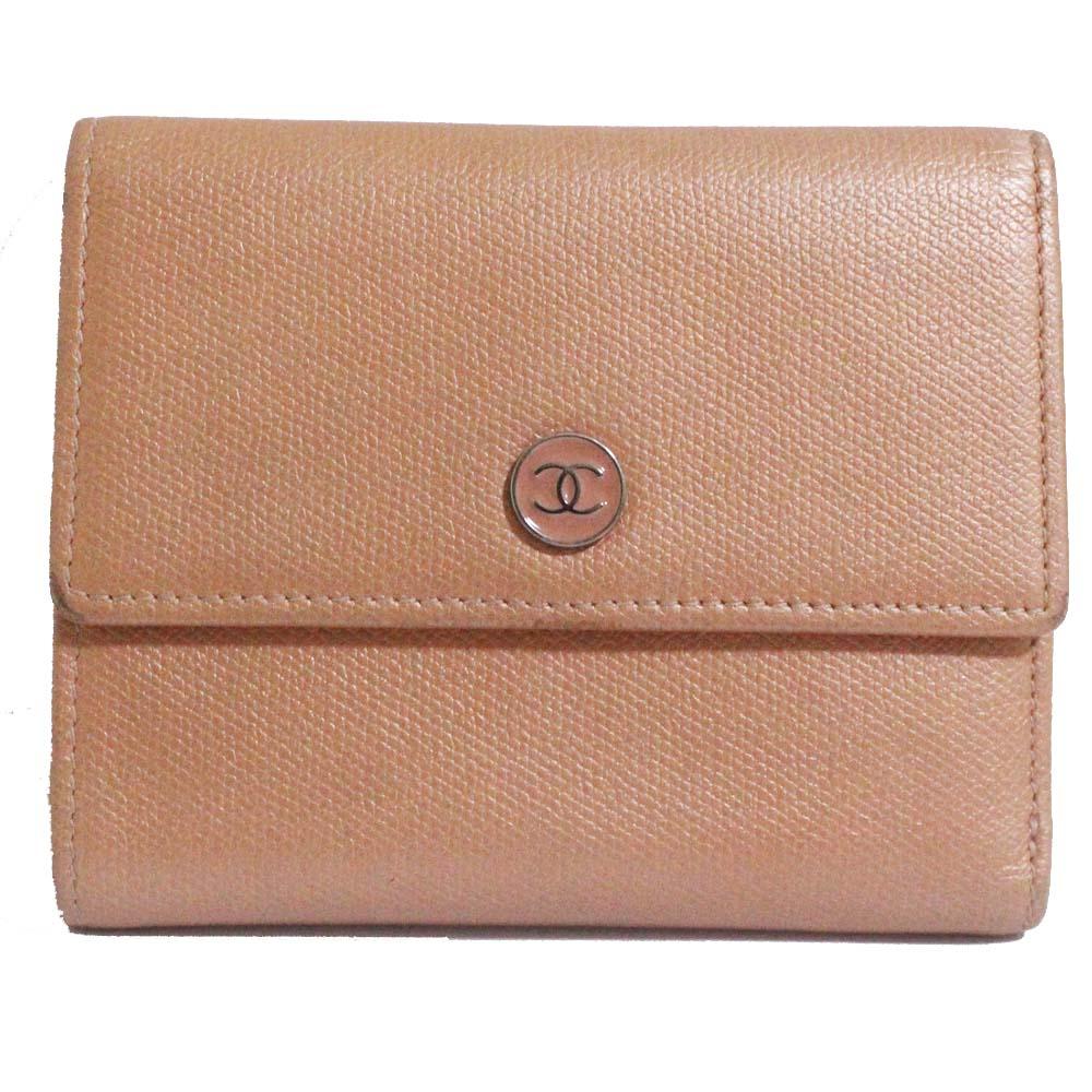 【中古】CHANEL シャネル Wホック ココボタン 三つ折り財布 レディース サーモンピンク 型押しレザー