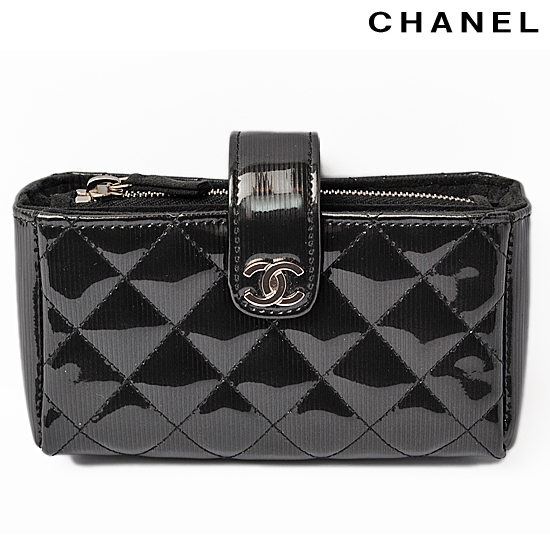 size 40 a6508 34c53 CHANEL Chanel carrying case / mini-porch quilting / stripe shiny black  A48227