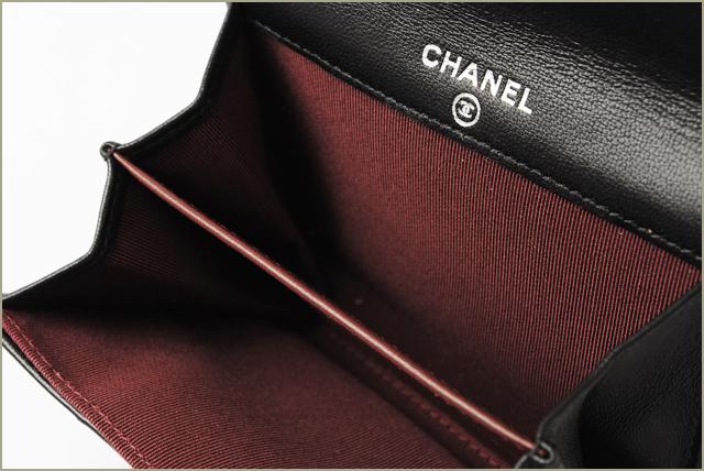 香奈儿钱包 / 卡案例香奈儿 A31504 菱格纹小羊皮黑色 / 波尔多银配件
