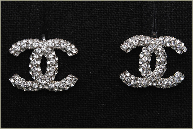 Chanel Pierced Earrings A64766 Cc Mark Pearl White Gold