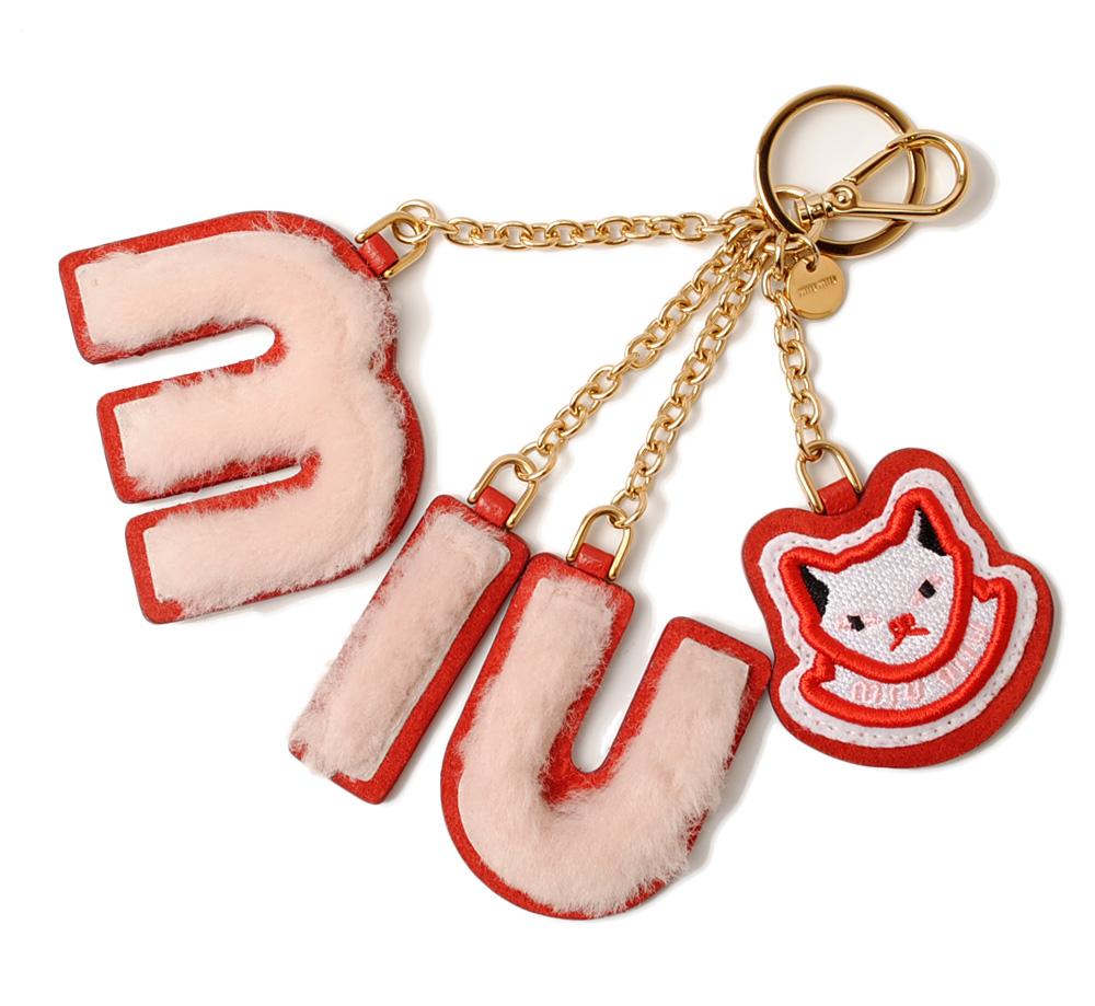 ミュウミュウ キーリング/バッグチャーム miumiu ファー パッチワーク/ロゴ ネコ/CAT ORCHIDEA/レッド/ピンク 5TL251
