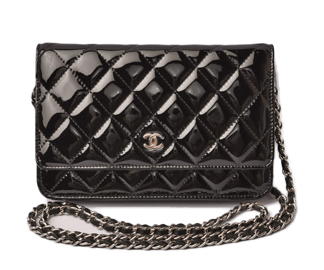 f48d67a7dd16 Takeru Chanel wallet   chain wallet   shoulder bag CHANEL A33814 patent  leather black silver metal fittings mint condition