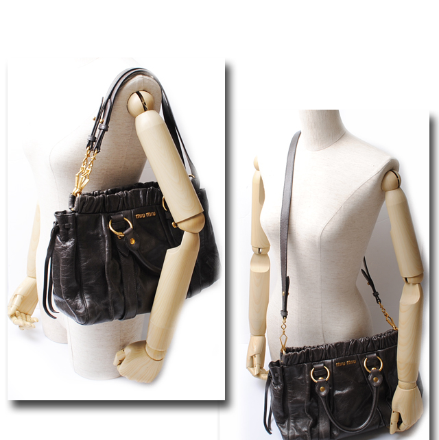 593396ca469 Removable strap, please use is possible in 2-way handbag and shoulder bag.