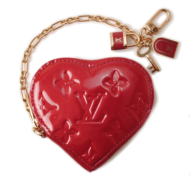 31d0c69c5 Louis Vuitton coin purse. LOUIS VUITTON heart-shaped / Porto Monet cool  M93562 Pomme-d'amour Vernis 廃盤 ルイヴィトン ヴェルニ キーチェーン付小銭入れ ...