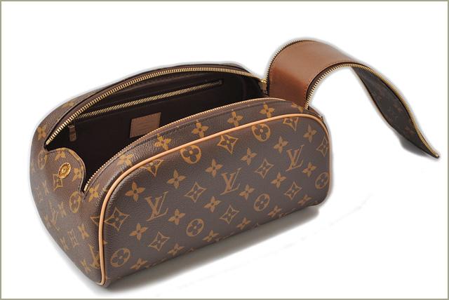 Louis Vuitton Cosmetic Pouch Travel Bag Truest Wallet King Size Monogram  M47528 Un 08e2b4fb285e8