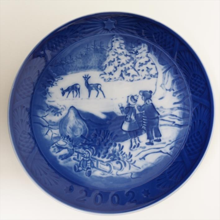 Royal Copenhagen Christmas Plates.2002 Winter In The Forest For Royal Copenhagen Royal Copenhagen Christmas Plate 2 002 Years For Tableware