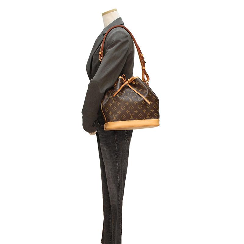 d93d0520dc187 BrandCity  Louis Vuitton monogram petit Noe bag M40818