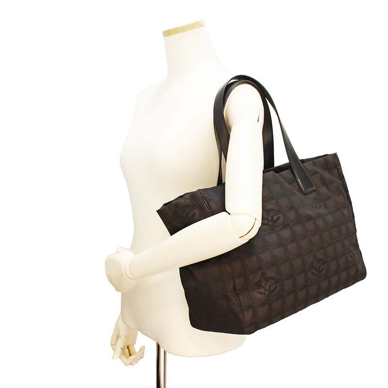 5f153de35d5c A15991 with the Chanel current style bell line marron tote bag MM porch