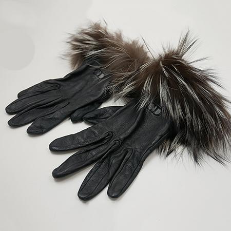 即日出荷 ディオール 大人気 グローブ ブラック ファー手袋 美品 Christian Dior CANDY 上品 ファー 手袋 クリスチャンディオール BRAND 1着でも送料無料 レザー レディース