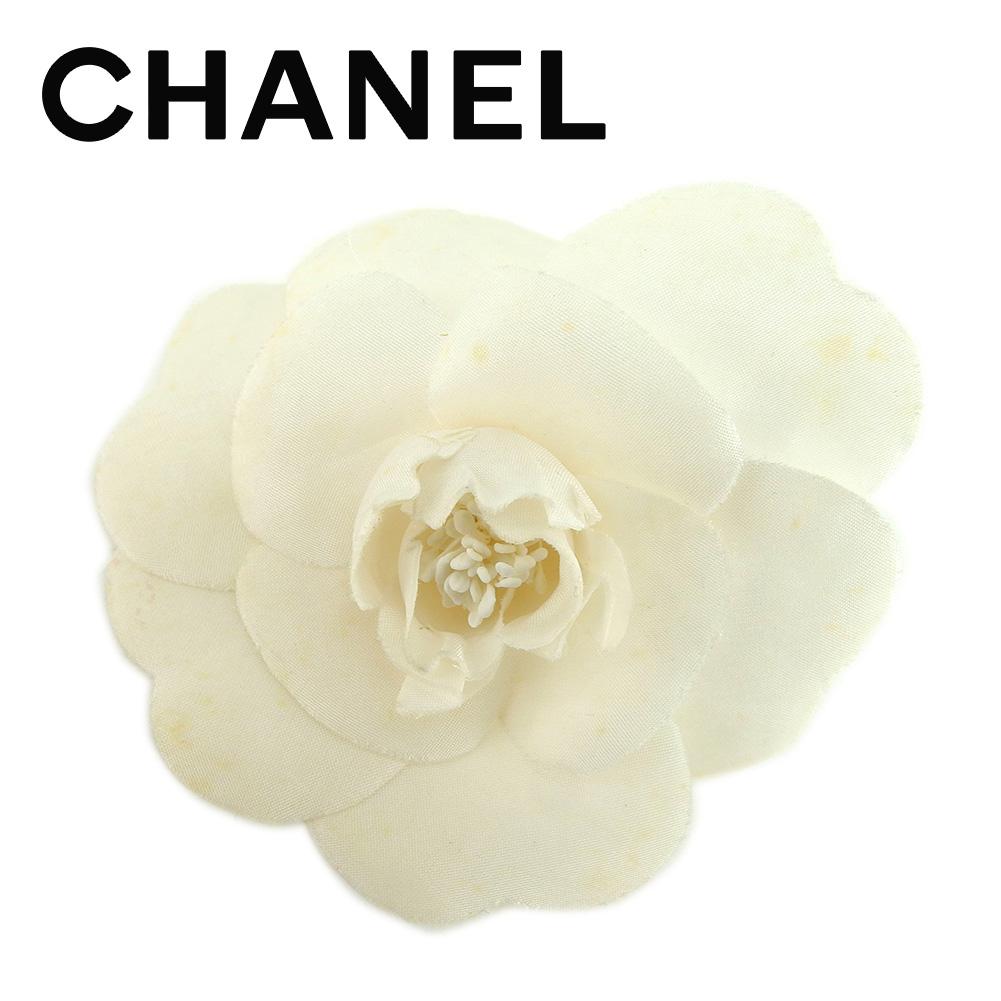 【中古】 シャネル CHANEL ブローチ レディース カメリア ホワイト 白 ブローチ T6543s .