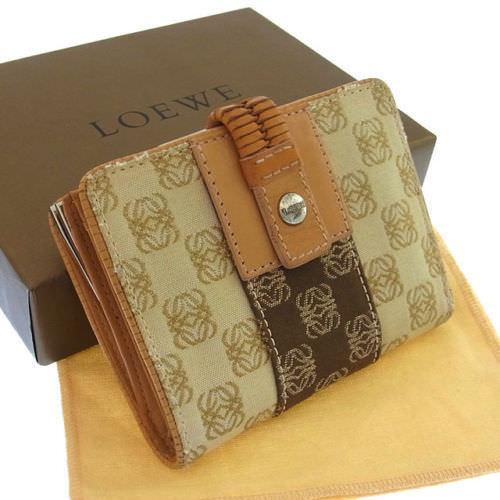 【中古】 ロエベ LOEWE がま口財布 二つ折り メンズ可 アナグラム柄 ベージュ×ブラウン系 キャンバス×レザー B590 .
