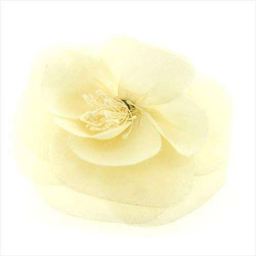 【中古】 シャネル CHANEL コサージュ ブローチ ファッションアクセサリー レディース カメリア ホワイト×ゴールド キャンバス×ゴールド金具 F819 .