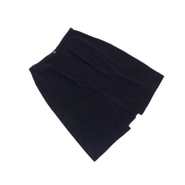 【中古】 シャネル CHANEL スカート 後スリット入り レディース 38サイズ 前開き(重ね着用) ロゴボタン ブラック 人気 中古 L2067 .