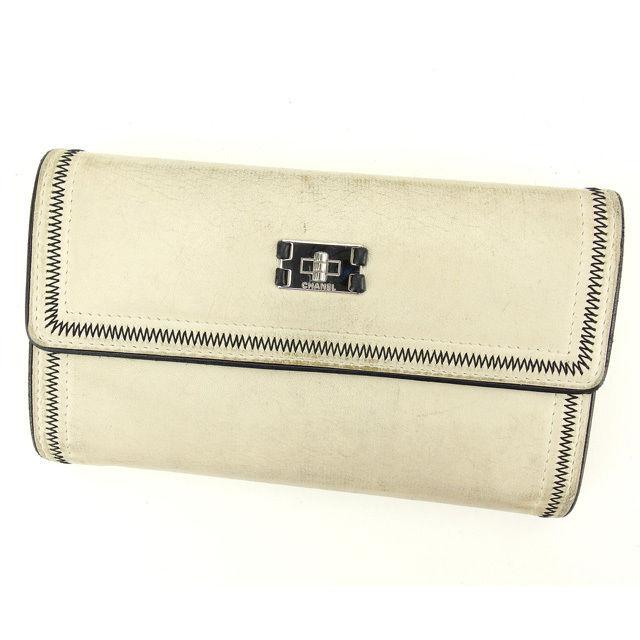 【中古】 シャネル 長財布 三つ折り財布 Chanel アイボリー×ブラック×シルバー Q303s