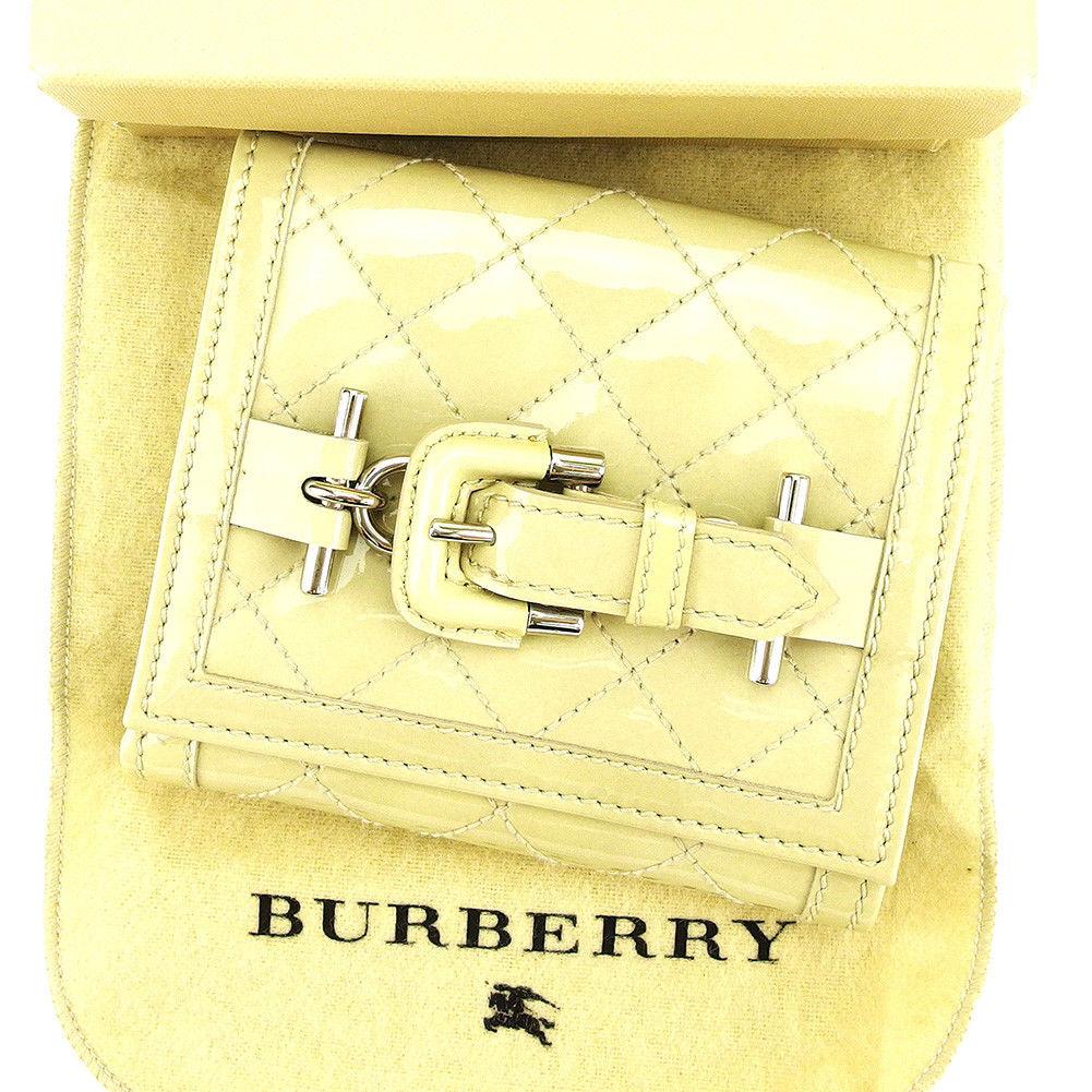 【中古】 バーバリー BURBERRY Wホック 財布 二つ折り レディース メンズ 可 ベルトデザイン キルティング ベージュ×シルバー エナメルレザー 美品 T3862