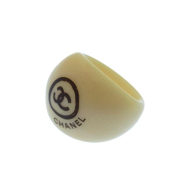 【中古】 シャネル CHANEL 指輪 リング アクセサリー メンズ可 ♯13号 ココマーク アイボリー×ブラック プラスチック (あす楽対応)人気 良品 Y1200