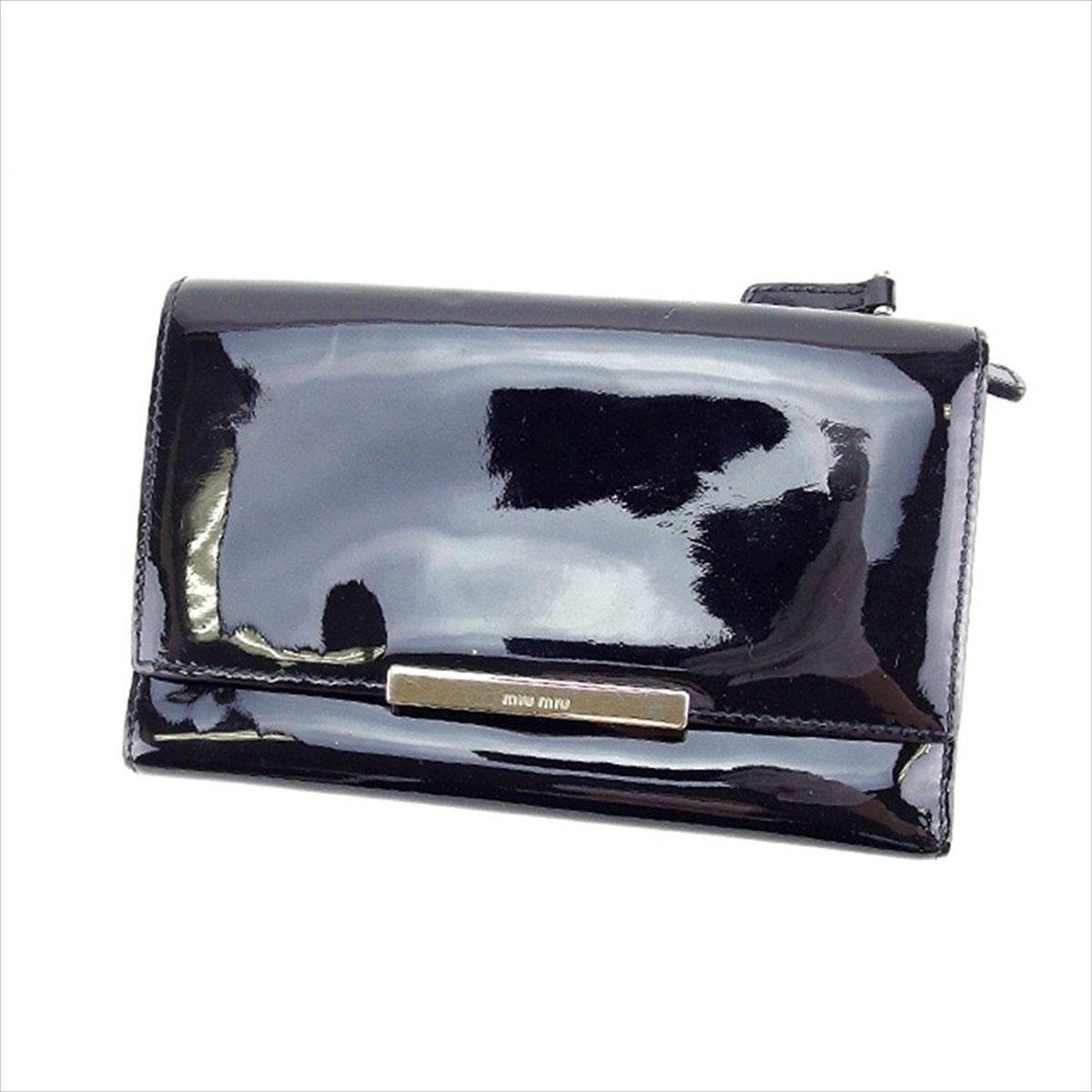 【中古】 ミュウミュウ miumiu 三つ折り財布 ファスナー メンズ可 ロゴプレート ブラック×シルバー エナメルレザー (あす楽対応)良品 Y3250 .