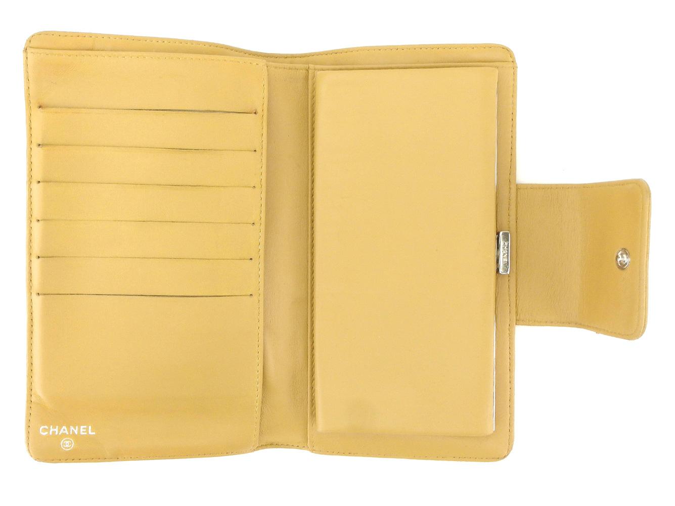 102d7ca3cfc0 ... シャネルCHANEL長財布がま口財布メンズ可ココマークアイコンシリーズベージュシルバー ?財布 ?