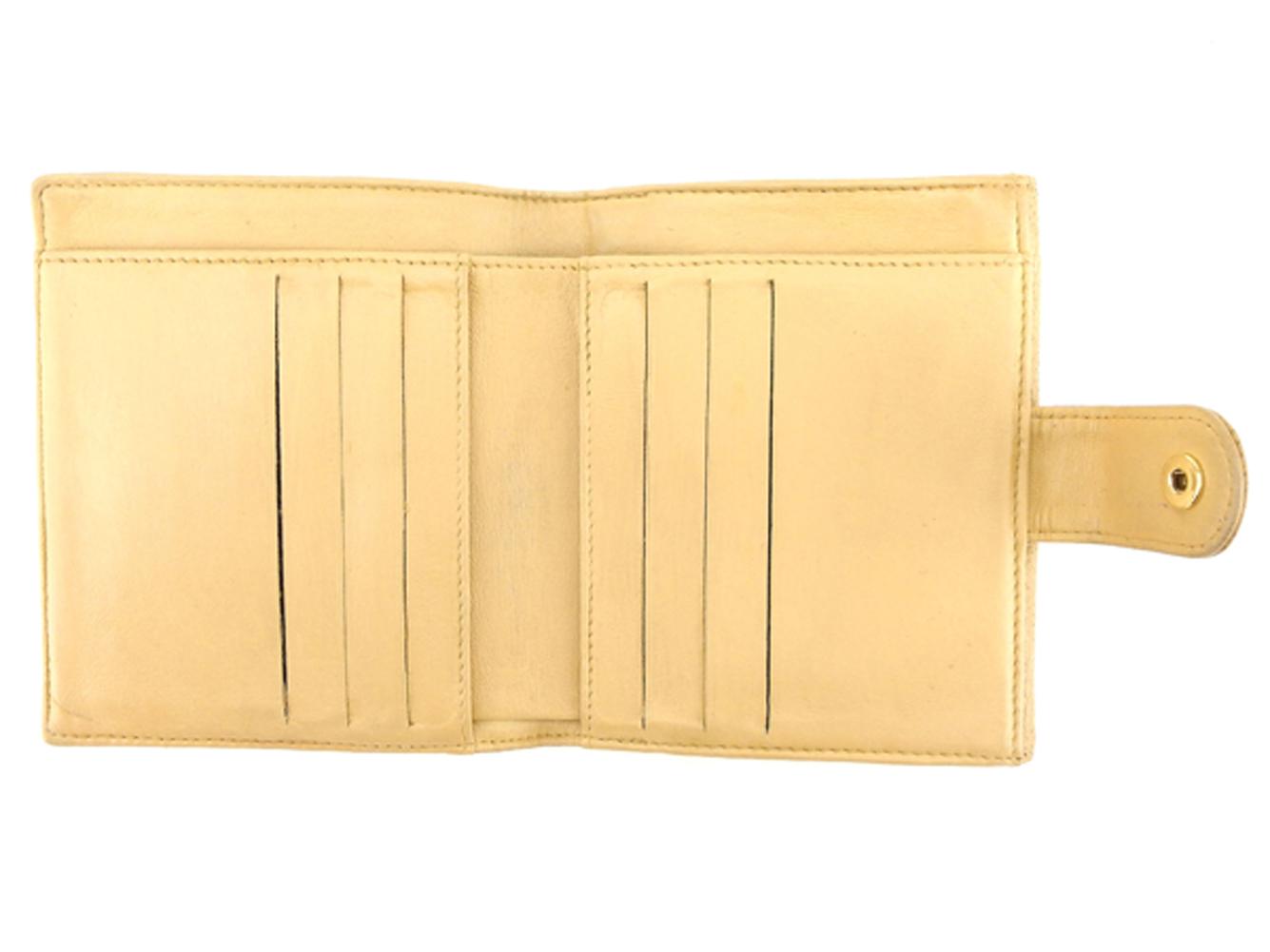 b52f6a5bf5f6 ... キャビアスキン レディース【】 T5159 【】シャネルCHANELWホック財布二つ折り ...