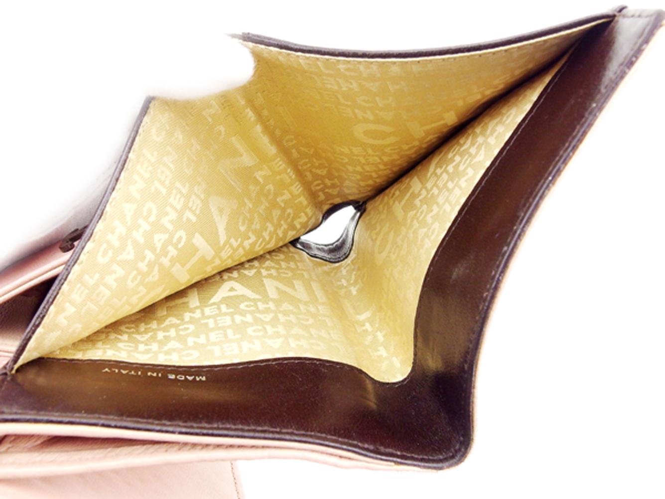 ヴィンテージ T7506 チョコバー CHANEL 財布 レディース ブラウン レザー 【中古】 二つ折り Wホック 人気 ピンク シャネル 財布