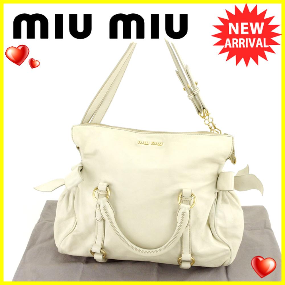 【中古】 【送料無料】 ミュウミュウ miumiu 2WAY ショルダーバッグ ハンドバッグ メンズ可 リボンモチーフ ホワイト 白 レザー 人気 セール T6151