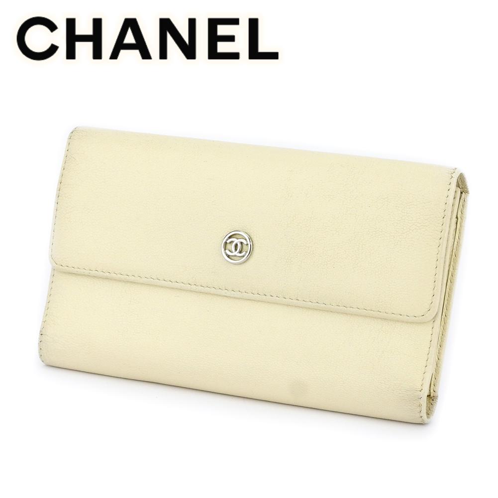 【中古】 シャネル 長財布 さいふ 三つ折り 財布 さいふ オールドシャネル ココボタン ホワイト 白 シルバー レザー CHANEL T17646