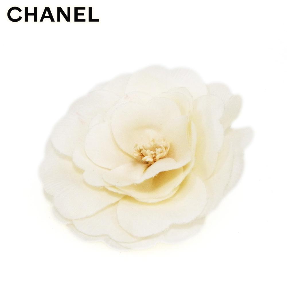 【中古】 シャネル コサージュ ブローチ レディース フラワー 花 カメリア ホワイト 白 CHANEL B1108