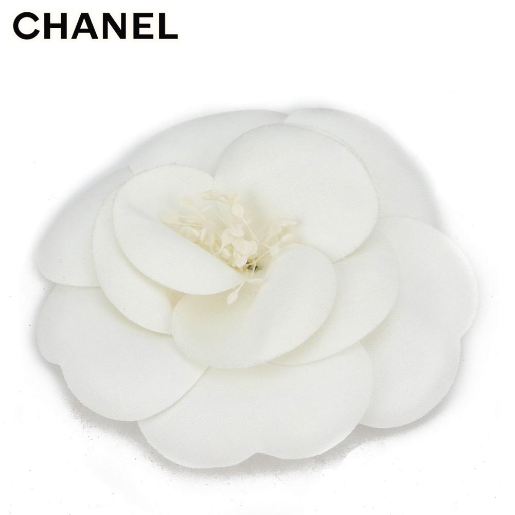 【中古】 シャネル コサージュ ブローチ レディース フラワー カメリア ホワイト 白 CHANEL T9960