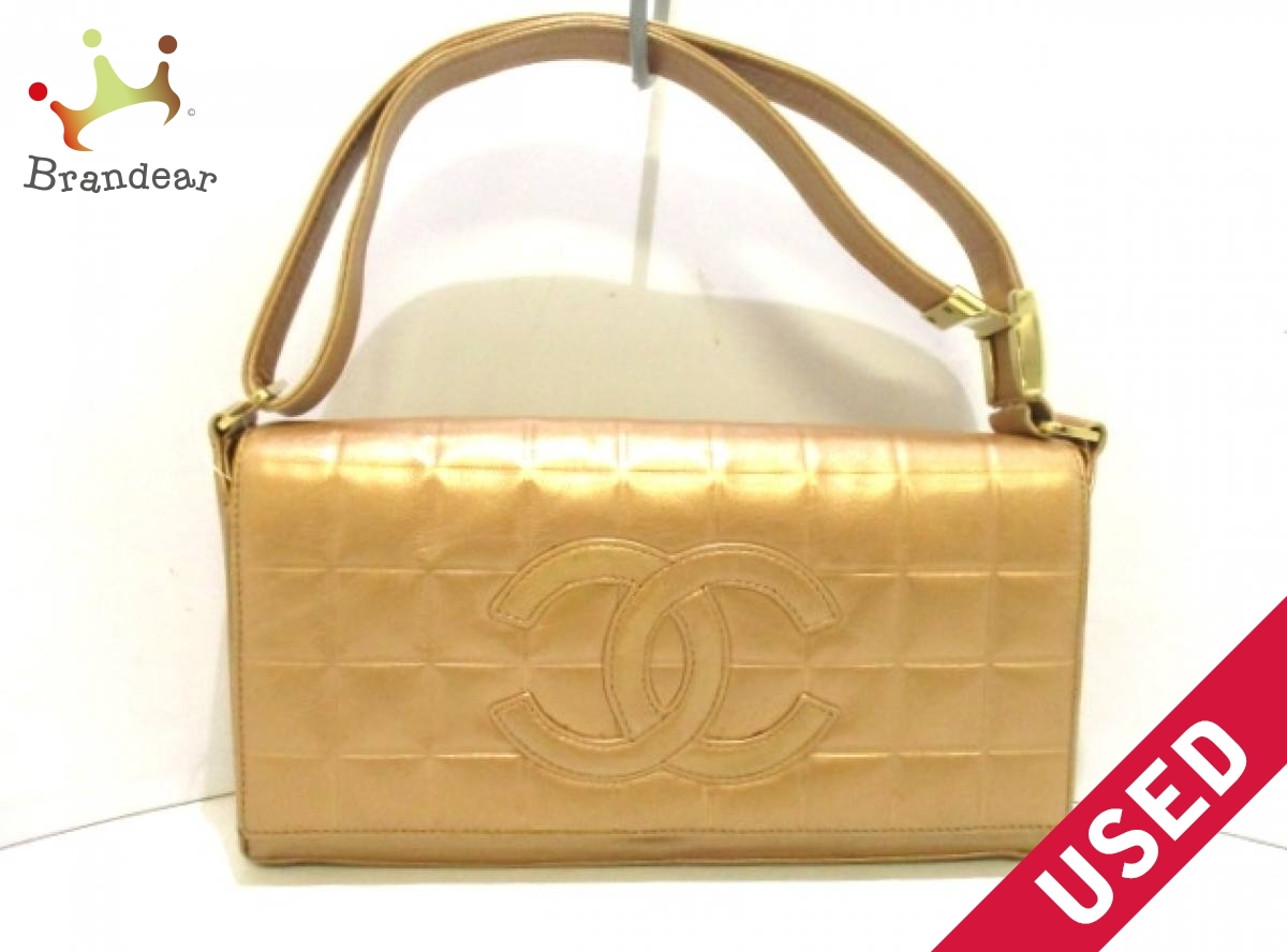 53d64caa87ce CHANEL(シャネル) ショルダーバッグ チョコバー ゴールド ゴールド金具/ココマーク ラムスキン【中古】 -ショルダーバッグ・メッセンジャーバッグ 。