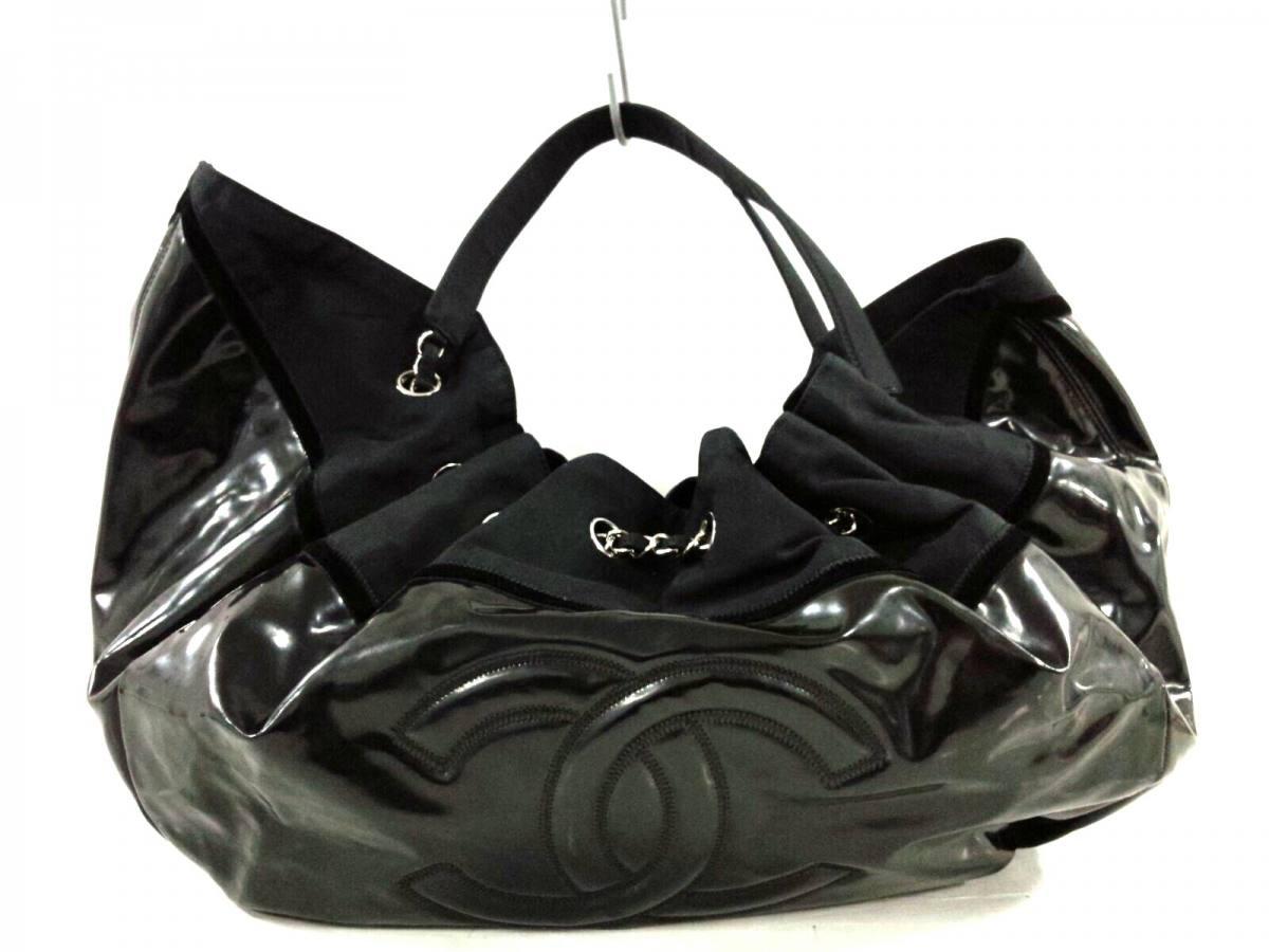 CHANEL(シャネル) トートバッグ - 黒 ラージサイズ/シルバー金具 PVC(塩化ビニール)×ナイロン【中古】