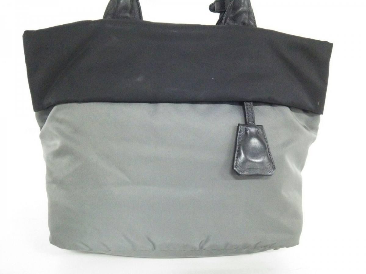 PRADA(プラダ) ハンドバッグ - グレー×黒 革タグ ナイロン【中古】