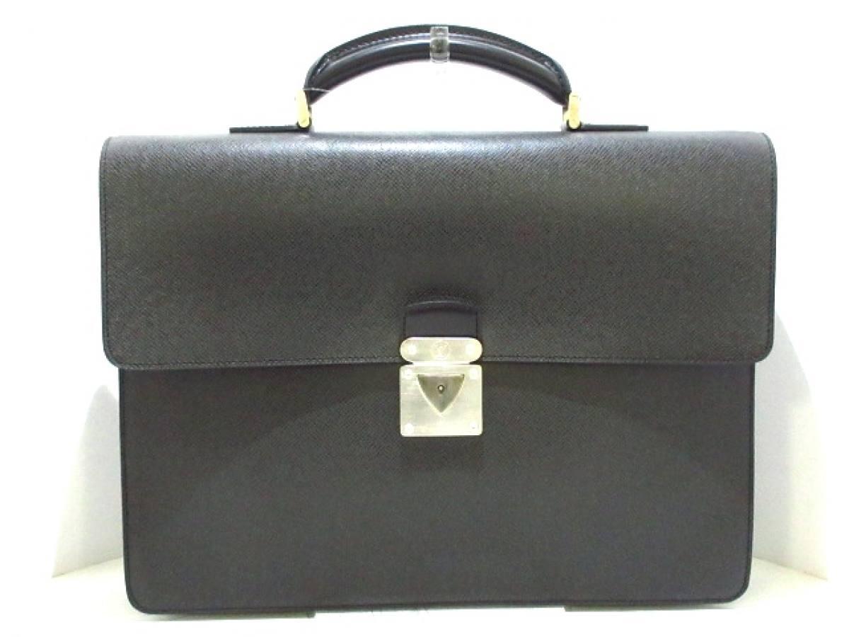 LOUIS VUITTON(ルイヴィトン) ビジネスバッグ タイガ美品■ セルヴィエットラギート M3109P エピセア レザー【中古】