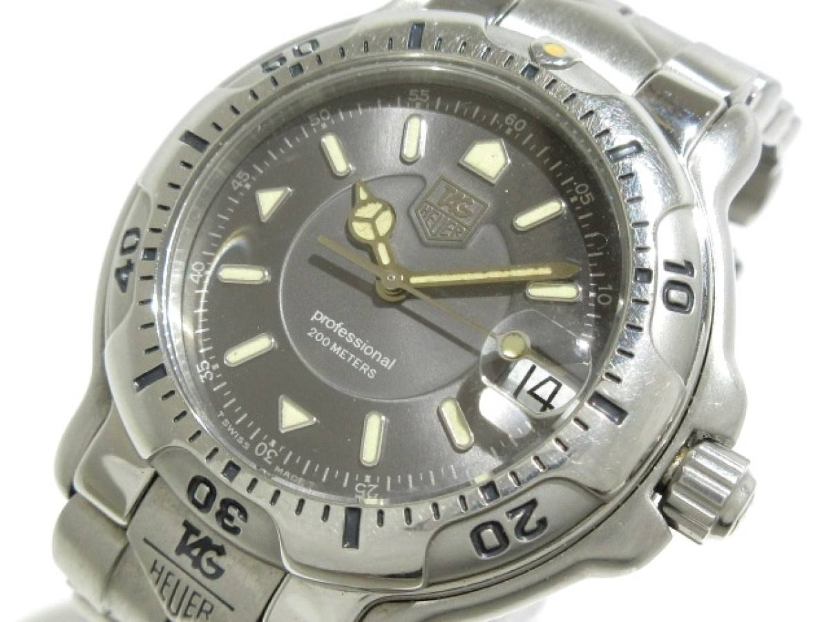 TAG Heuer(タグホイヤー) 腕時計 プロフェッショナル200 WH1112-K1 メンズ グレー【中古】