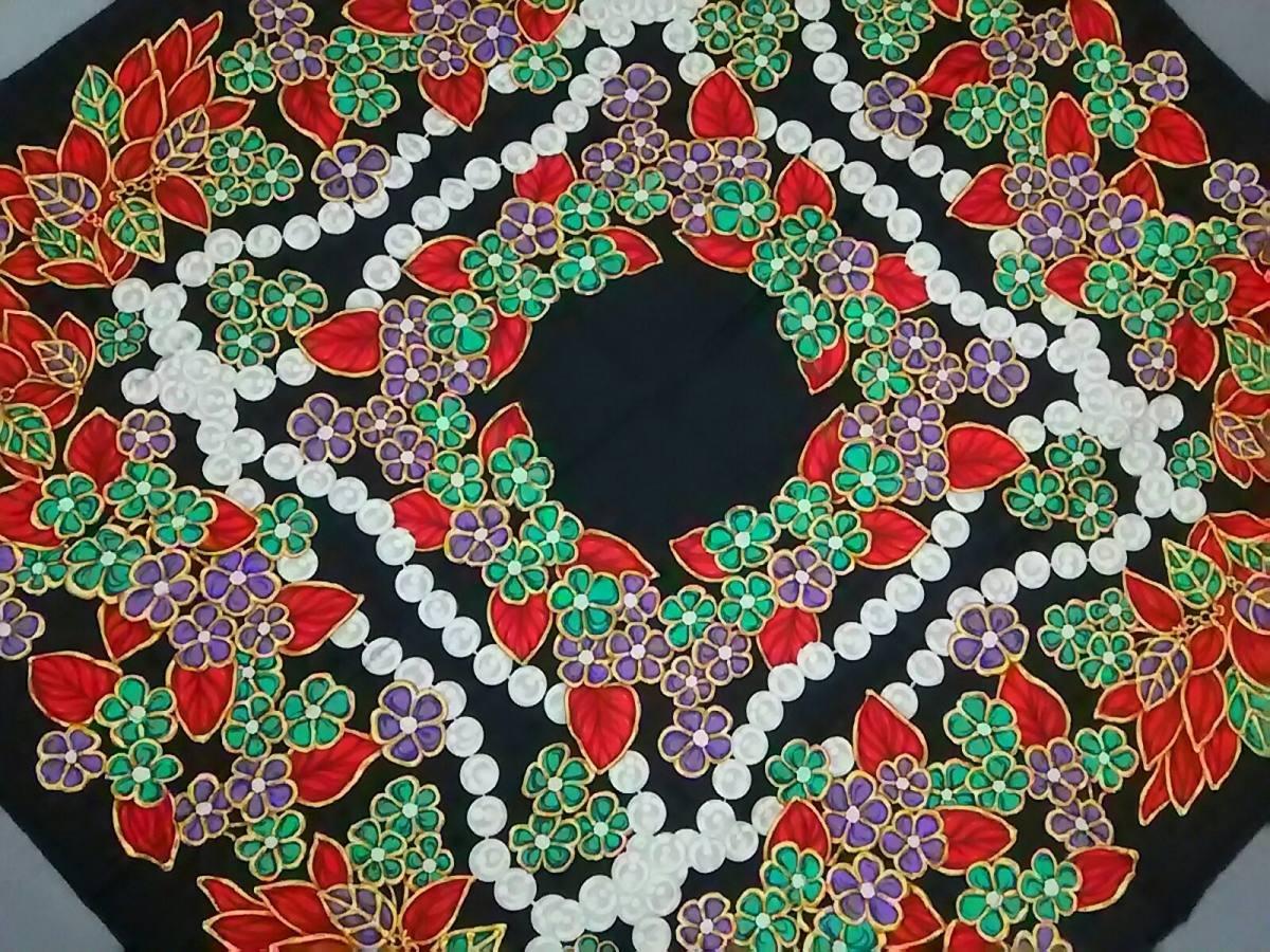 CHANEL(シャネル) スカーフ美品■ 黒×マルチ【中古】