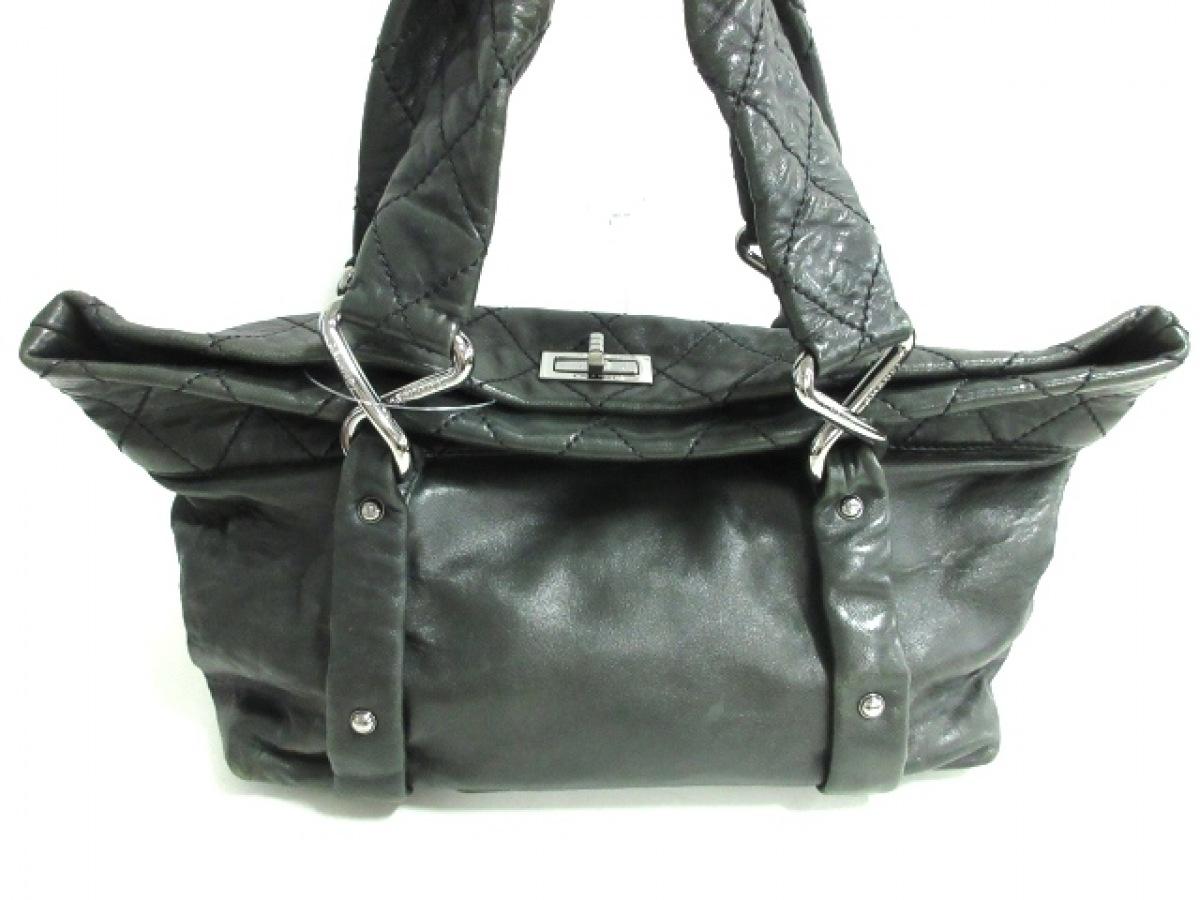 CHANEL(シャネル) ハンドバッグ 2.55 黒 ラムスキン【中古】