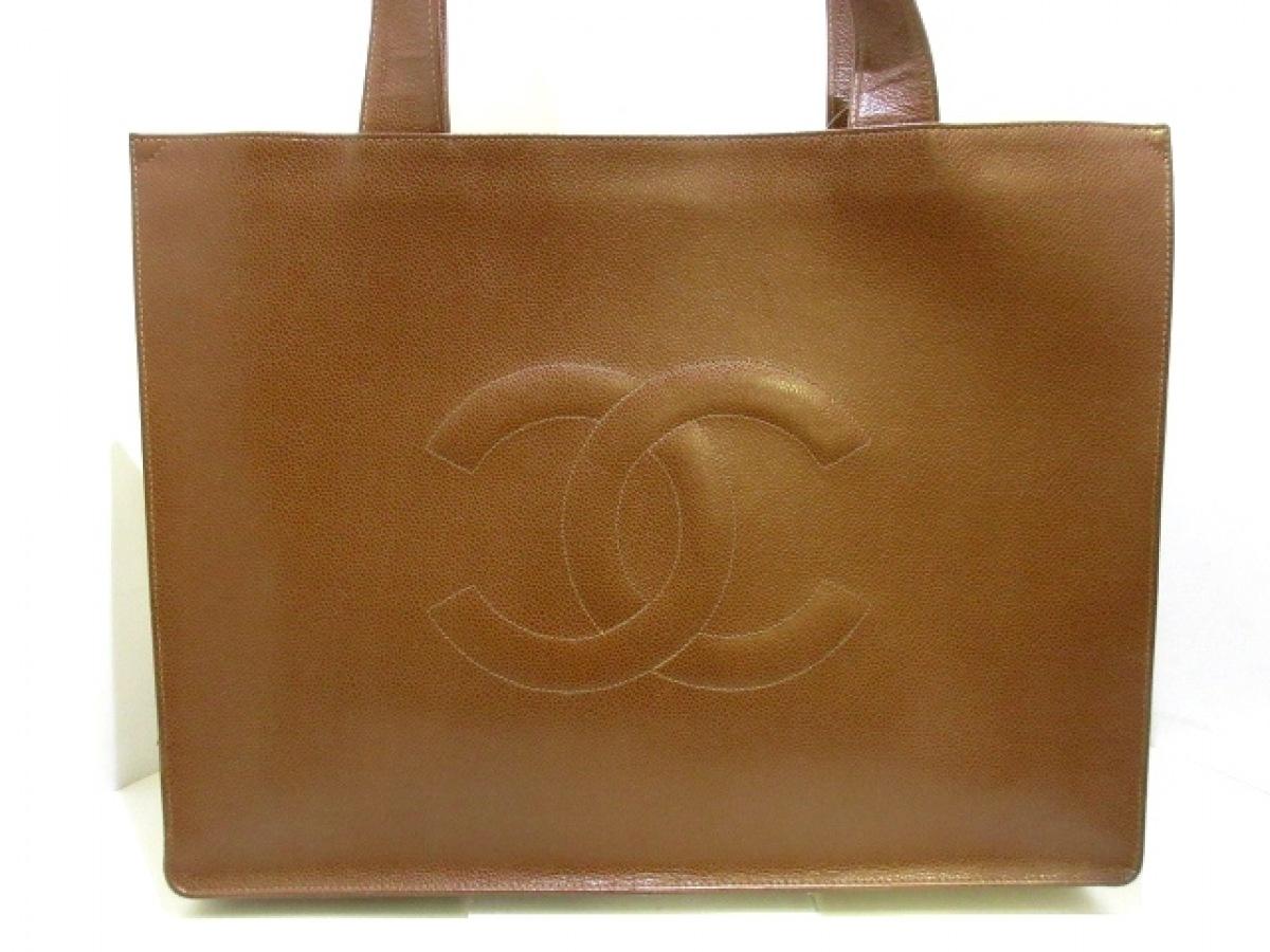 CHANEL(シャネル) トートバッグ - ブラウン ※実物は側面画像に近いお色です。 ココマーク キャビアスキン【中古】