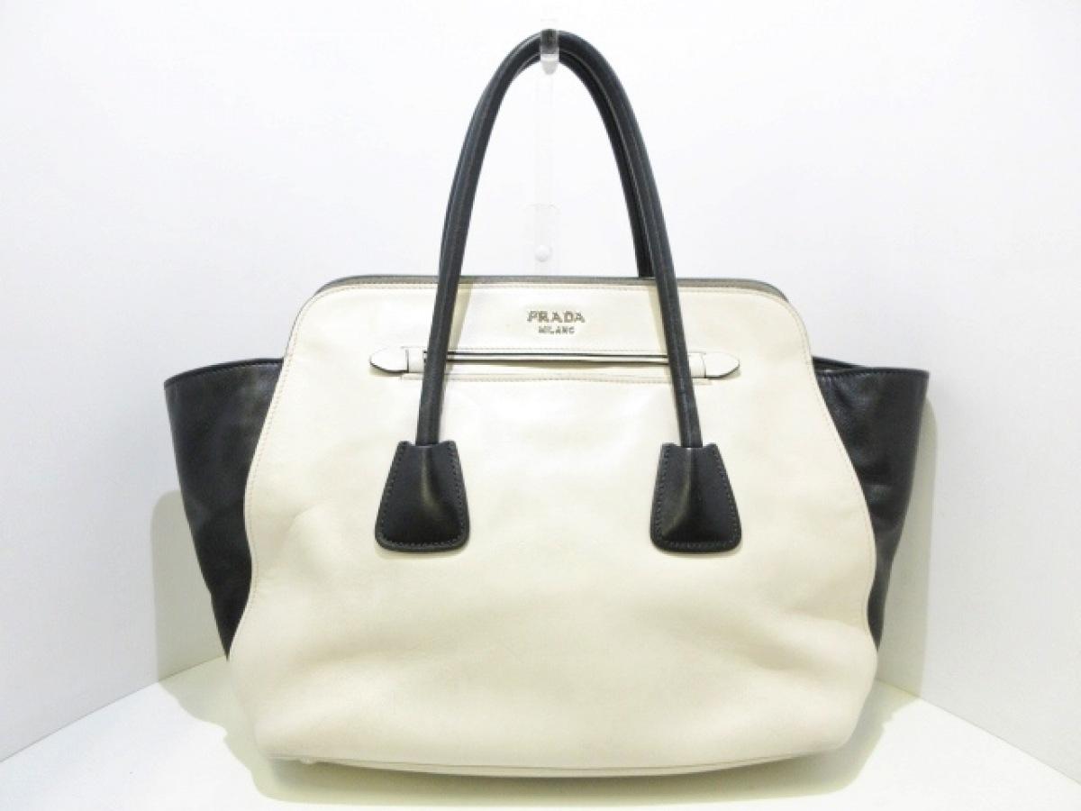 PRADA(プラダ) トートバッグ - N2611 白×黒 革タグ レザー【中古】
