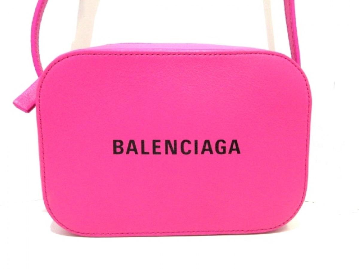 BALENCIAGA(バレンシアガ) ショルダーバッグ新品同様■ エブリデイ カメラバッグ XS 552372 ピンク レザー【中古】