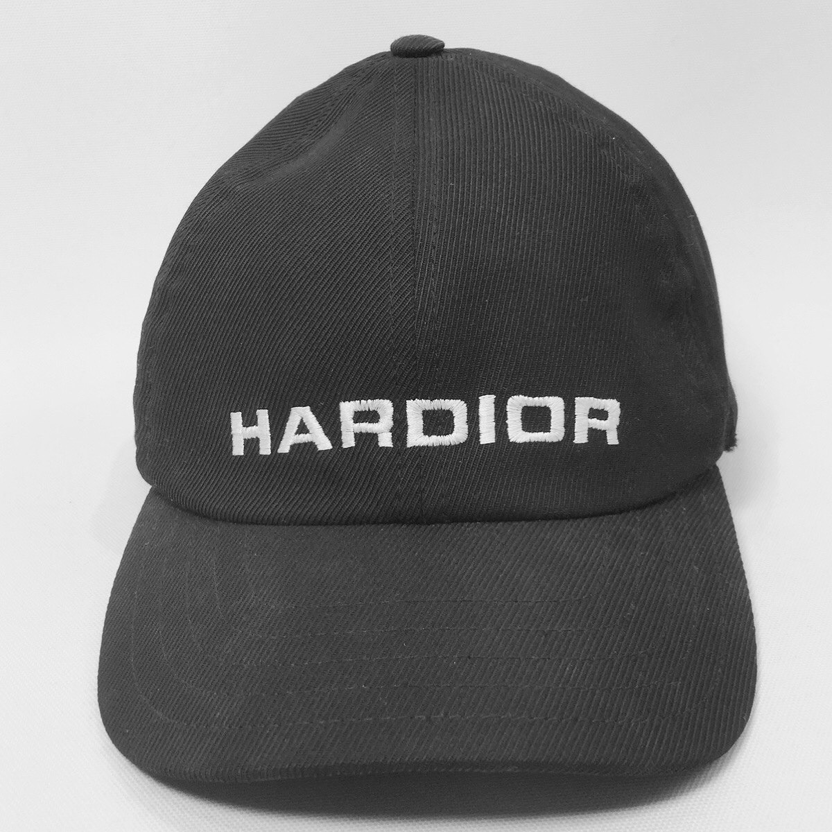 2017AW  HARDIOR  EMBROIDERY CAP is available from