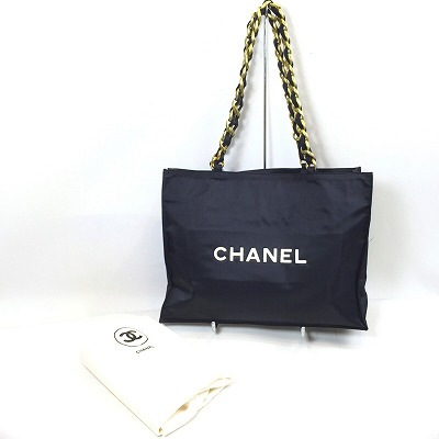 820c2255897e ... explanation] CHANEL Vintage Chain Nylon Logo Tote Bag is available. The  outstanding design which brand logo here mark enters the both sides, and  black ...