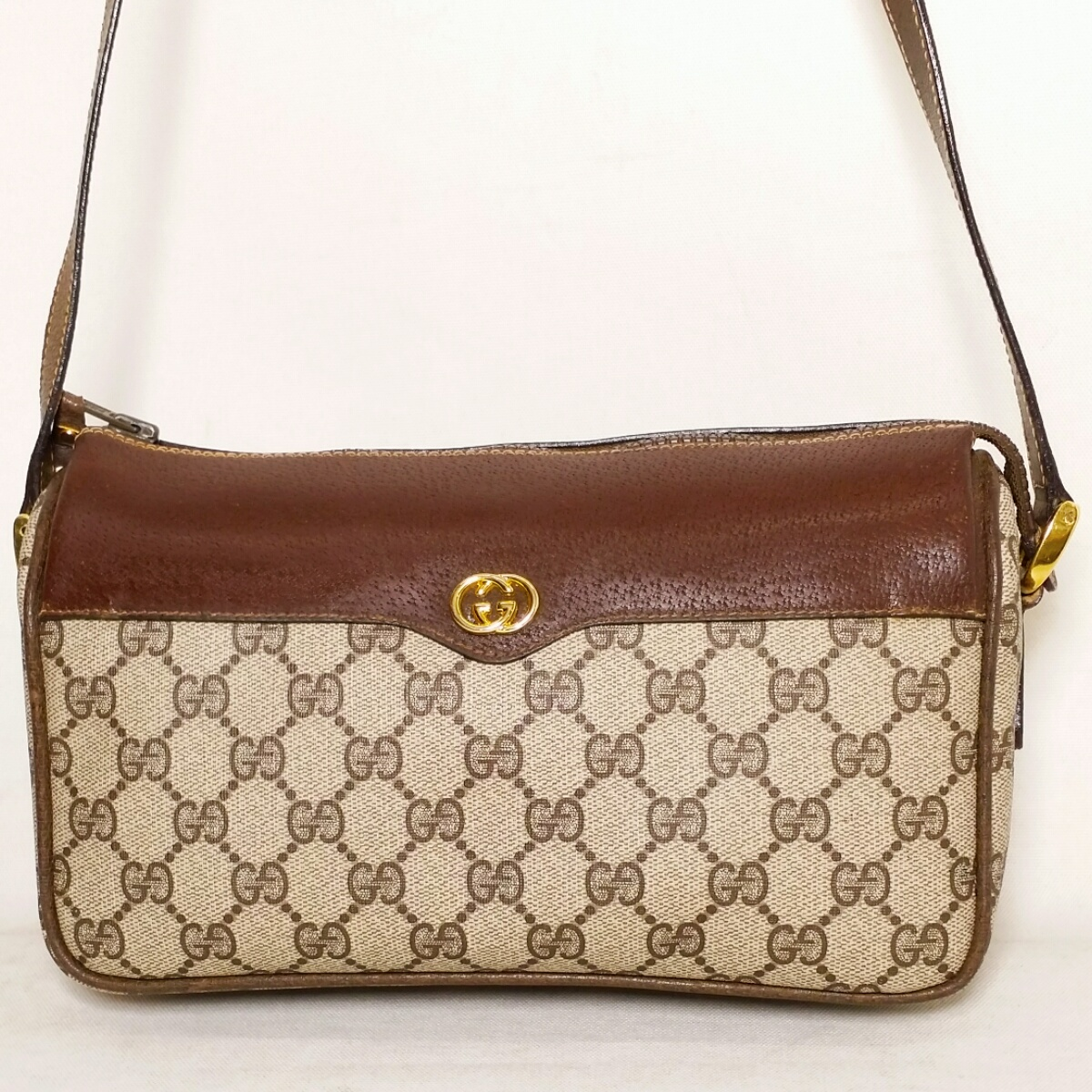 fb6a9171c6d51f It includes a GUCCI Gucci side sherry coating GG VINTAGE ヴンテージショルダー BAG bag  OLD ...