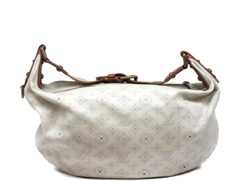 Authentic LOUIS VUITTON Onatah GM Shoulder Bag M95460 Mahina Leather White 375efeba010d0