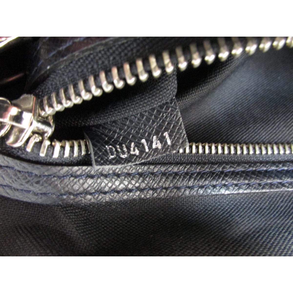 33e2c1f16378 Auth LOUIS VUITTON Roman MM Messenger Crossbody Shoulder Bag M32624 Taiga  Boreal