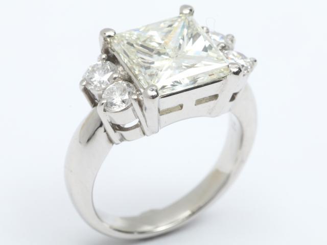 【中古】【送料無料】ジュエリー ダイヤモンド リング 指輪 レディース PT900 プラチナx ダイヤモンド(4.251ct 0.71ct)   JEWELRY D4.251/0.71 ブランドオフ BRANDOFF 美品 ボーナス