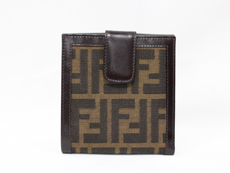 【中古】フェンディ ズッカ Wホック 二つ折財布 キャンバス×レザー ブラウン (2251-01695-018) | FENDI 財布 メンズ レディース 美品 ブランド ブランドオフ BRANDOFF