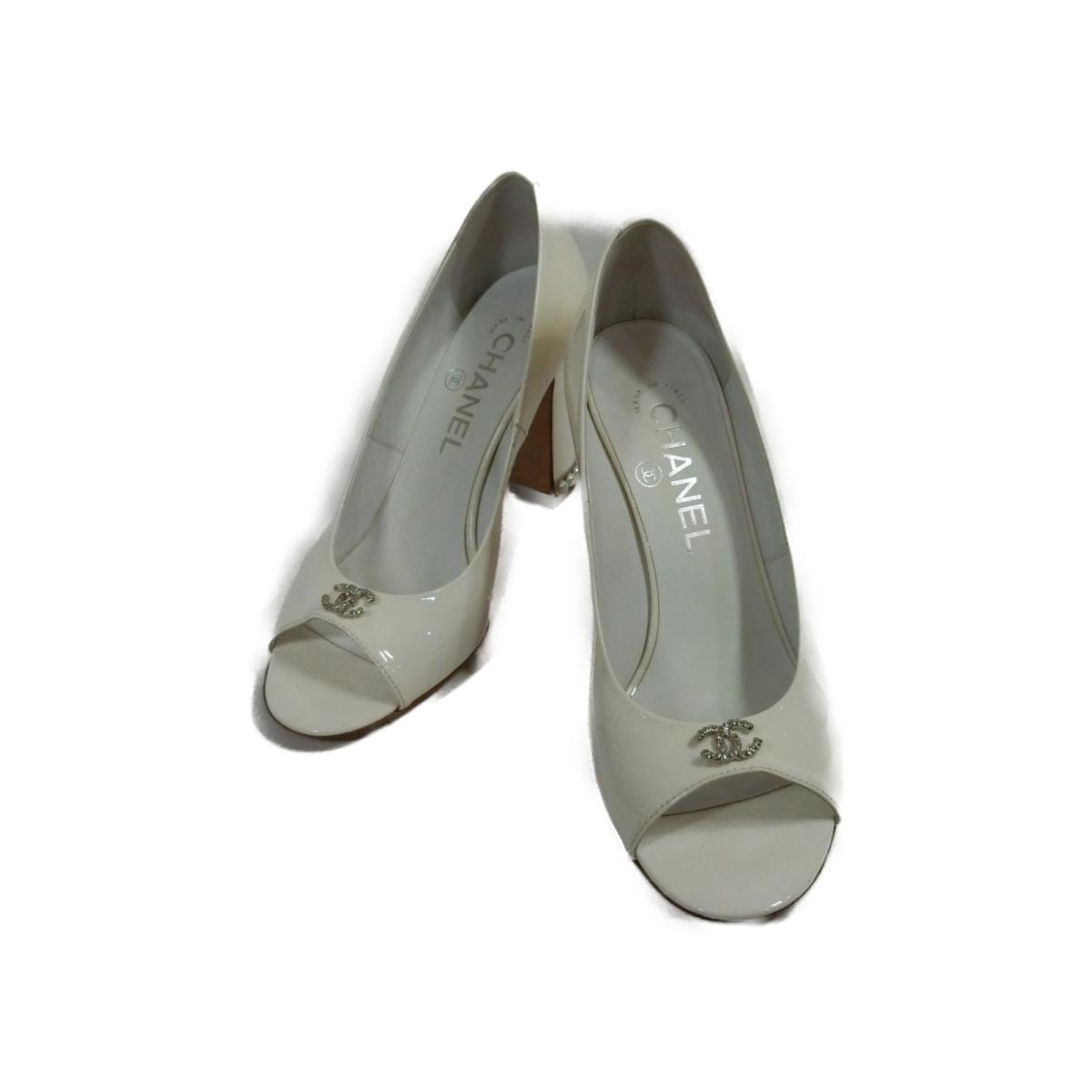 【中古】 シャネル パンプス レディース エナメル ホワイト | CHANEL くつ 靴 パンプス 美品 ブランドオフ