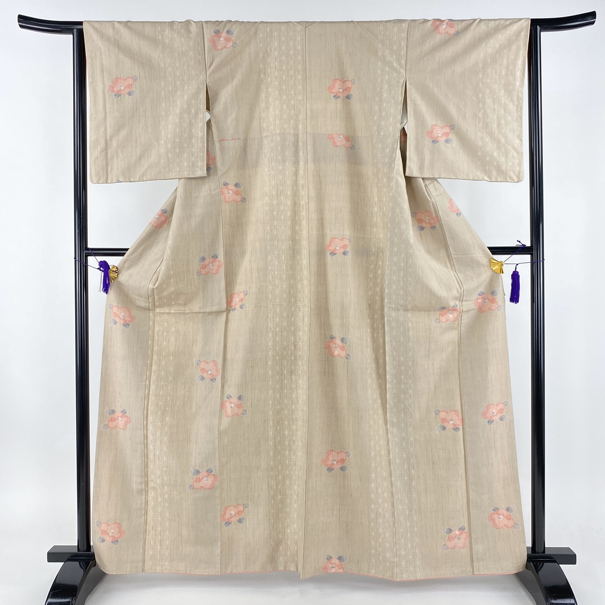 紬 美品 秀品 椿 麻の葉 薄茶色 袷 身丈163cm 裄丈63.5cm S 正絹 【中古】