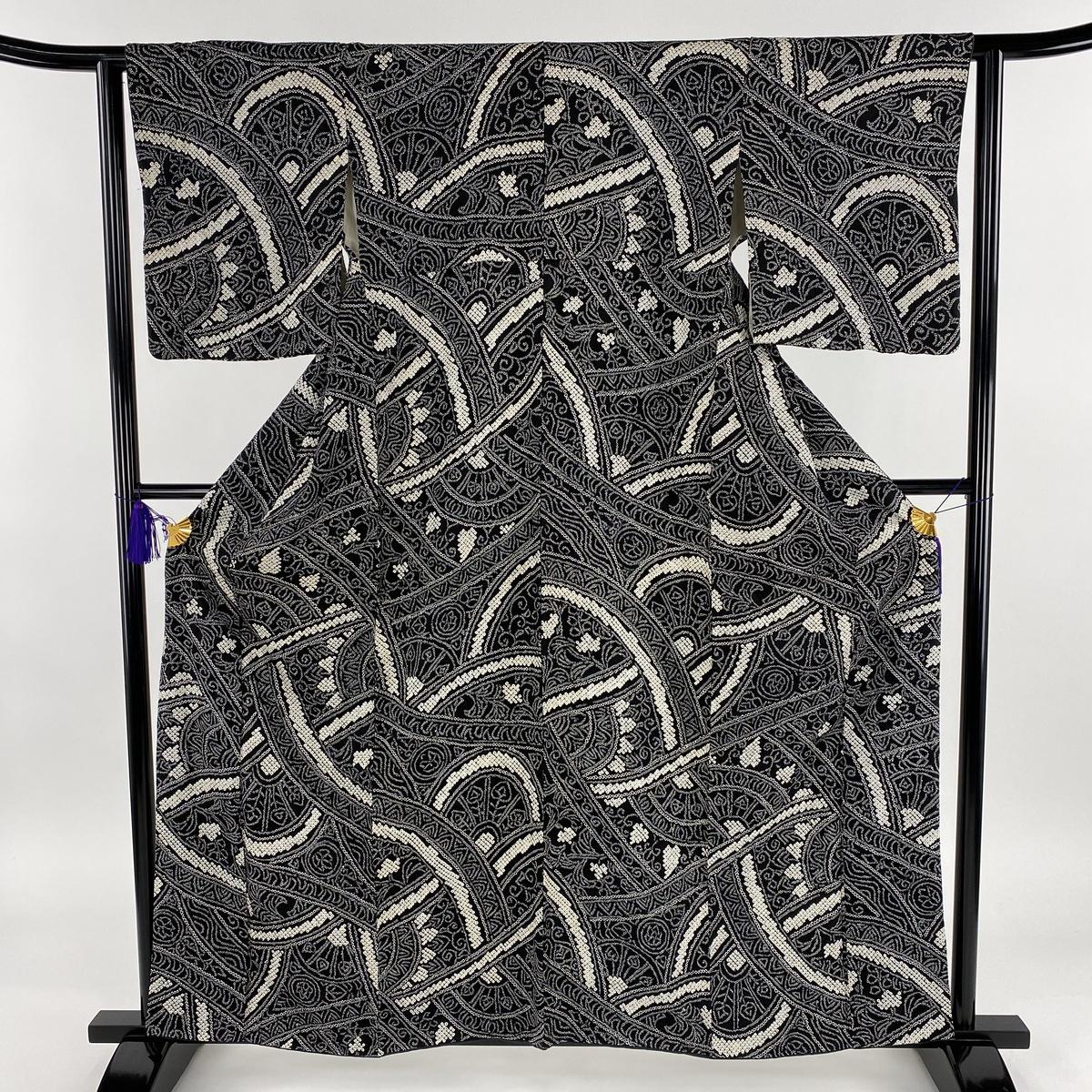 小紋 美品 名品 幾何学 絞り 黒 袷 身丈160cm 裄丈62cm S 正絹 【中古】
