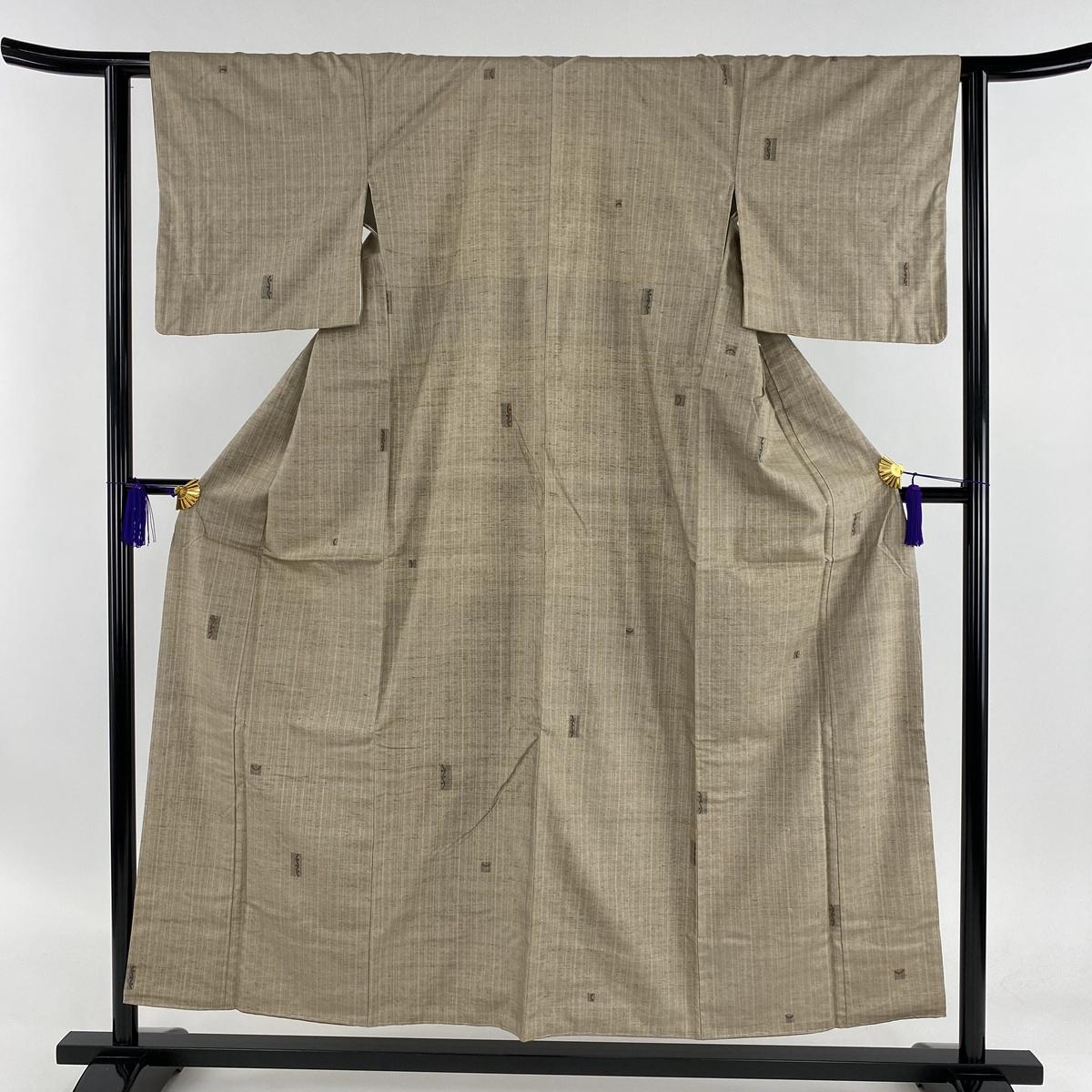 小紋 美品 秀品 紬地 縦縞 幾何学 刺繍 薄茶色 袷 身丈154cm 裄丈62cm S 正絹 【中古】